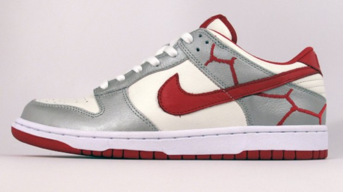 nike-id-project-red-dunk-low-id-02