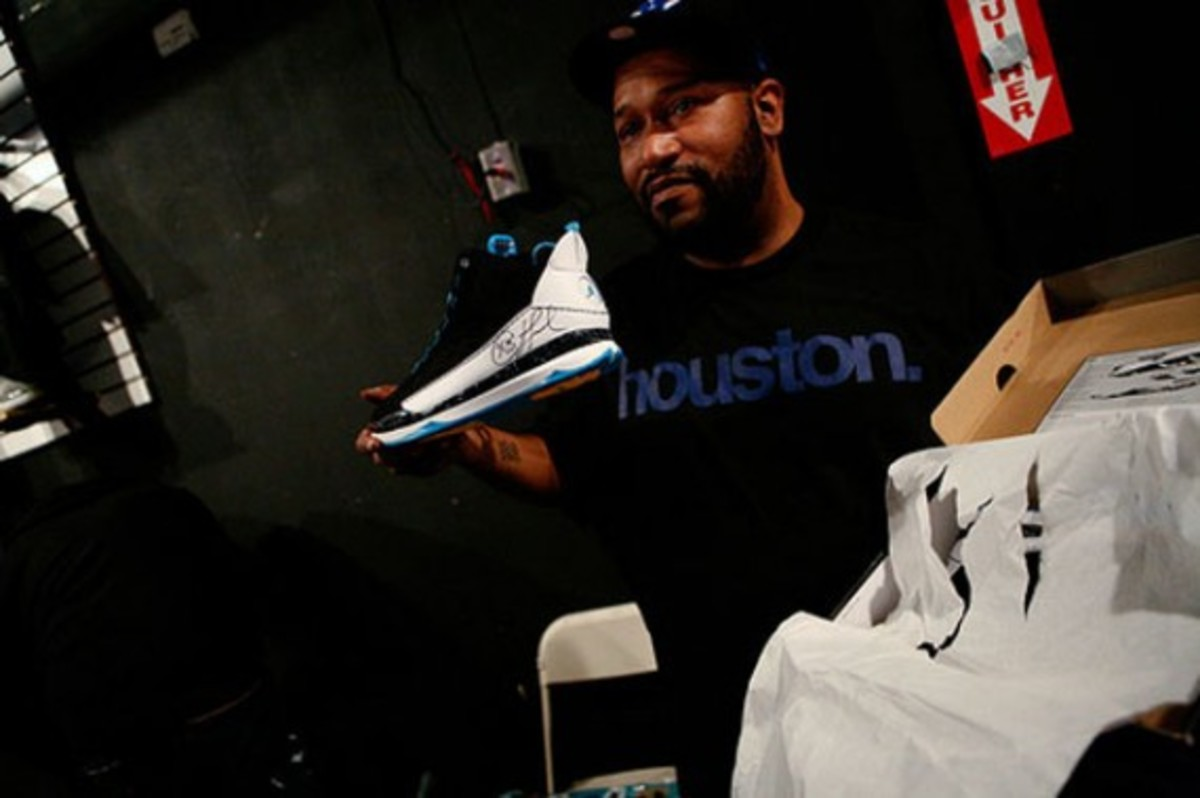 Complex-Bun-B-Greatest-Footwear-Moments-10