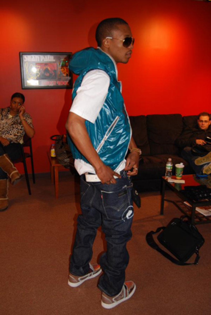 Complex-Lupe-Fiasco-Greatest-Footwear-Moments-12