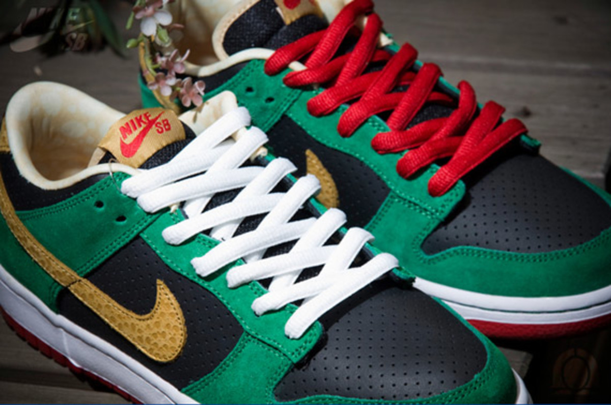 nike-sb-dunk-low-marvin-the-martian-1