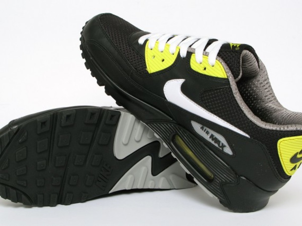 nike-air-max-90-premium-black-vibrant-yellow-7