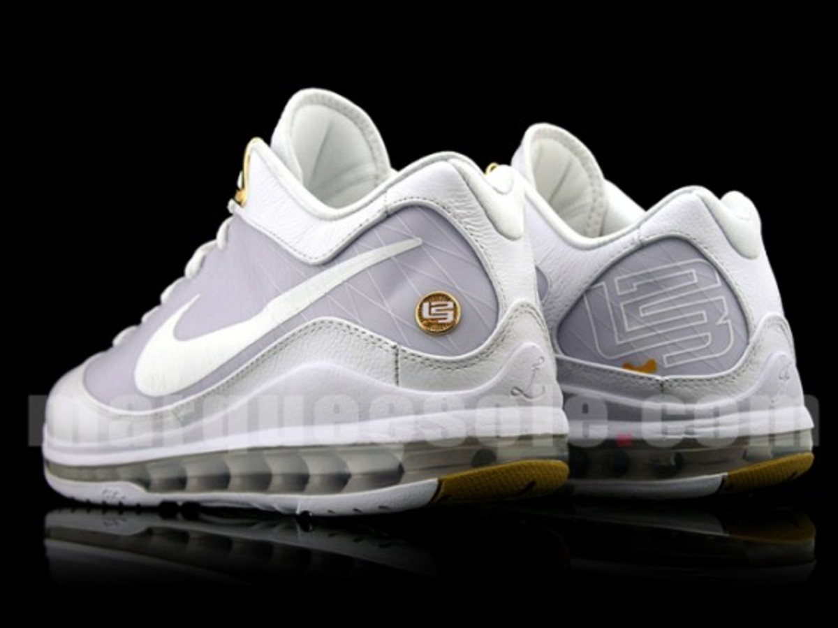 huge selection of 00092 1aa17 Nike Air Max LeBron VII (7) Low - White Metallic Gold