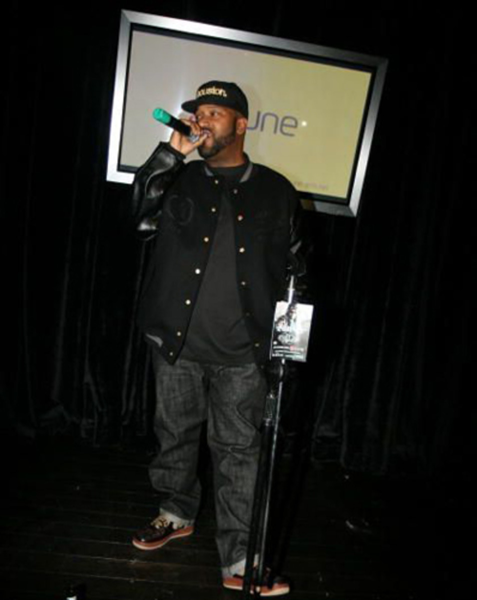 Complex-Bun-B-Greatest-Footwear-Moments-14