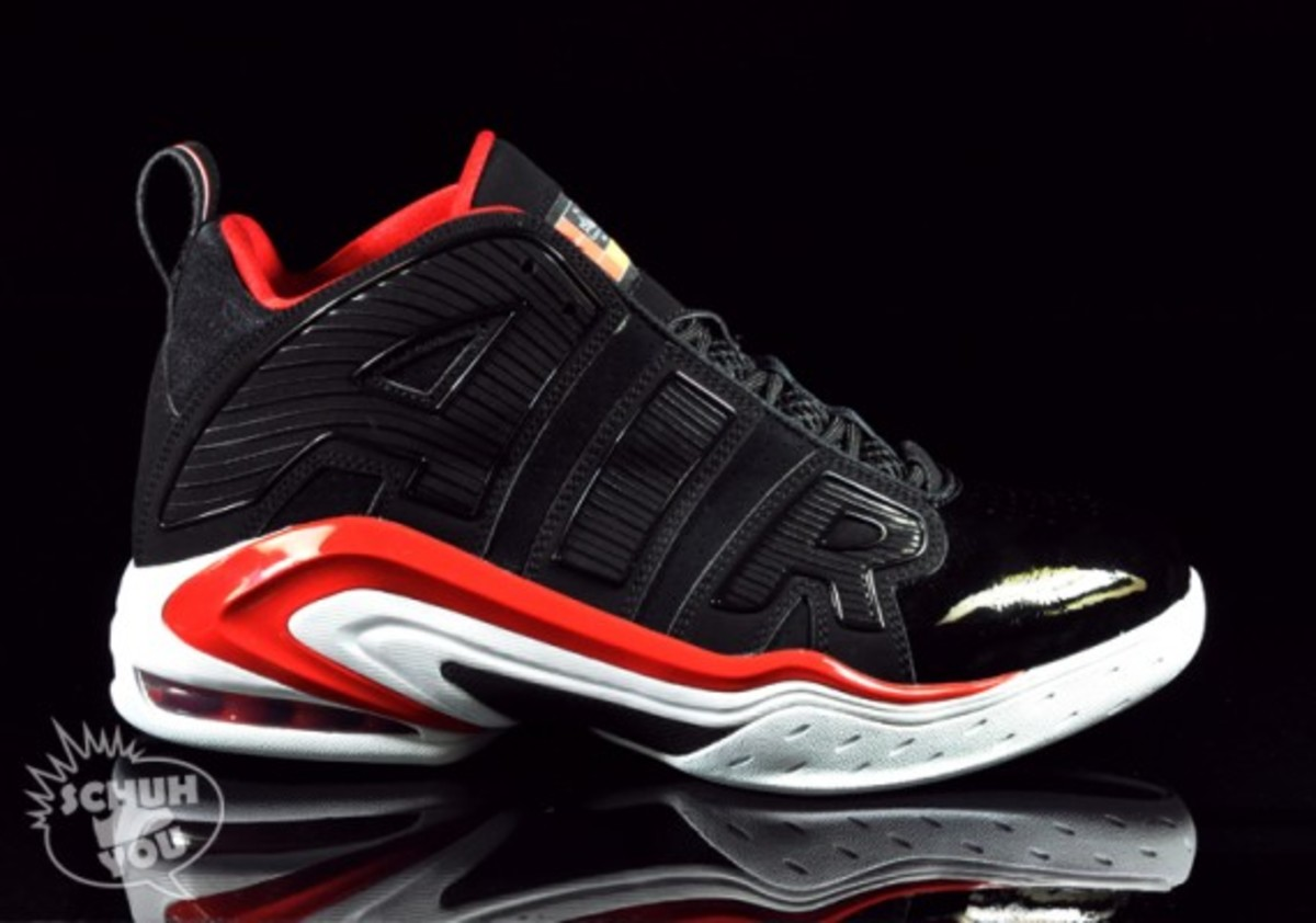 Nike-Max-A-Lot-Black-Red-01