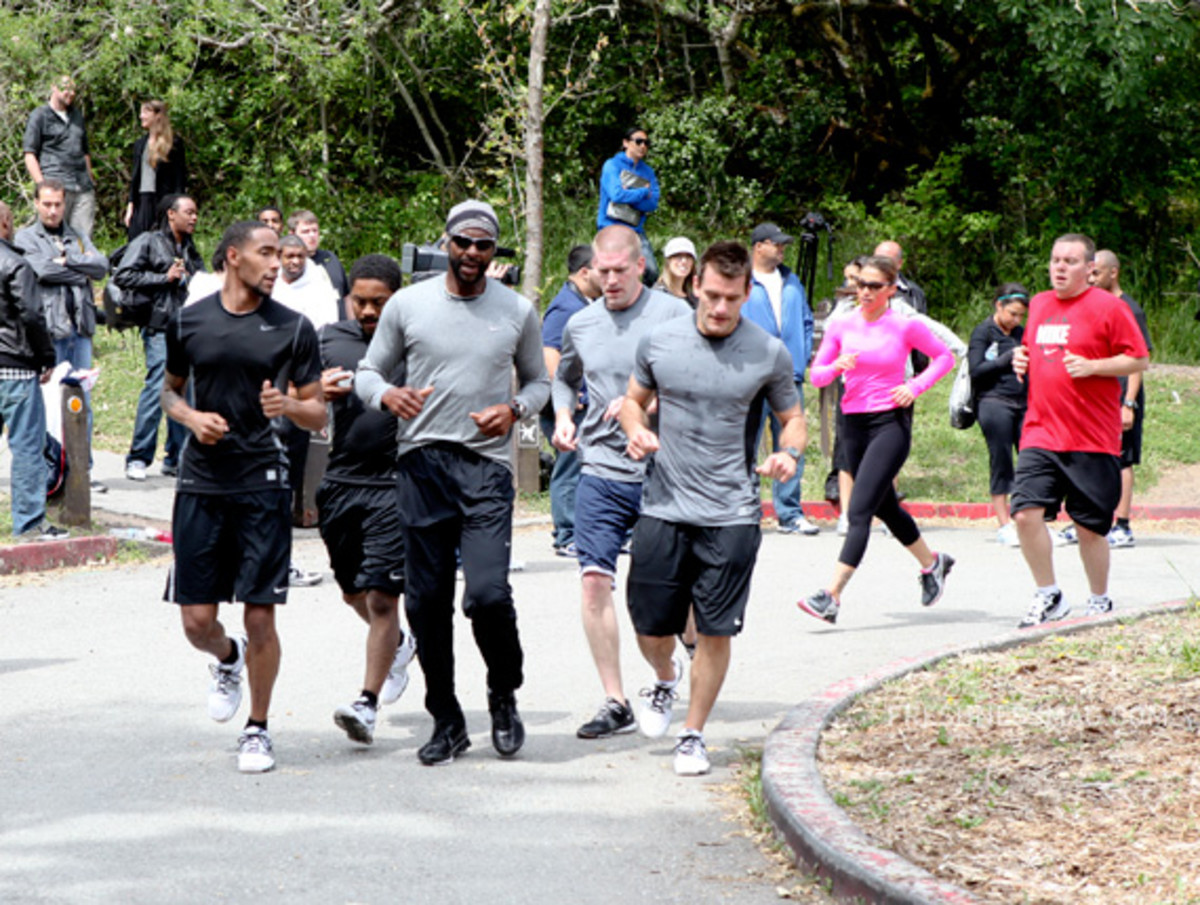 nike-training-jerry-rice-the-hill-24