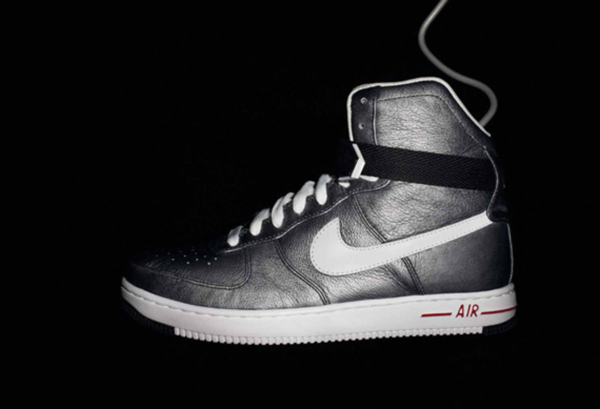 nike-sportswear-holiday-2010-air-force-1-01