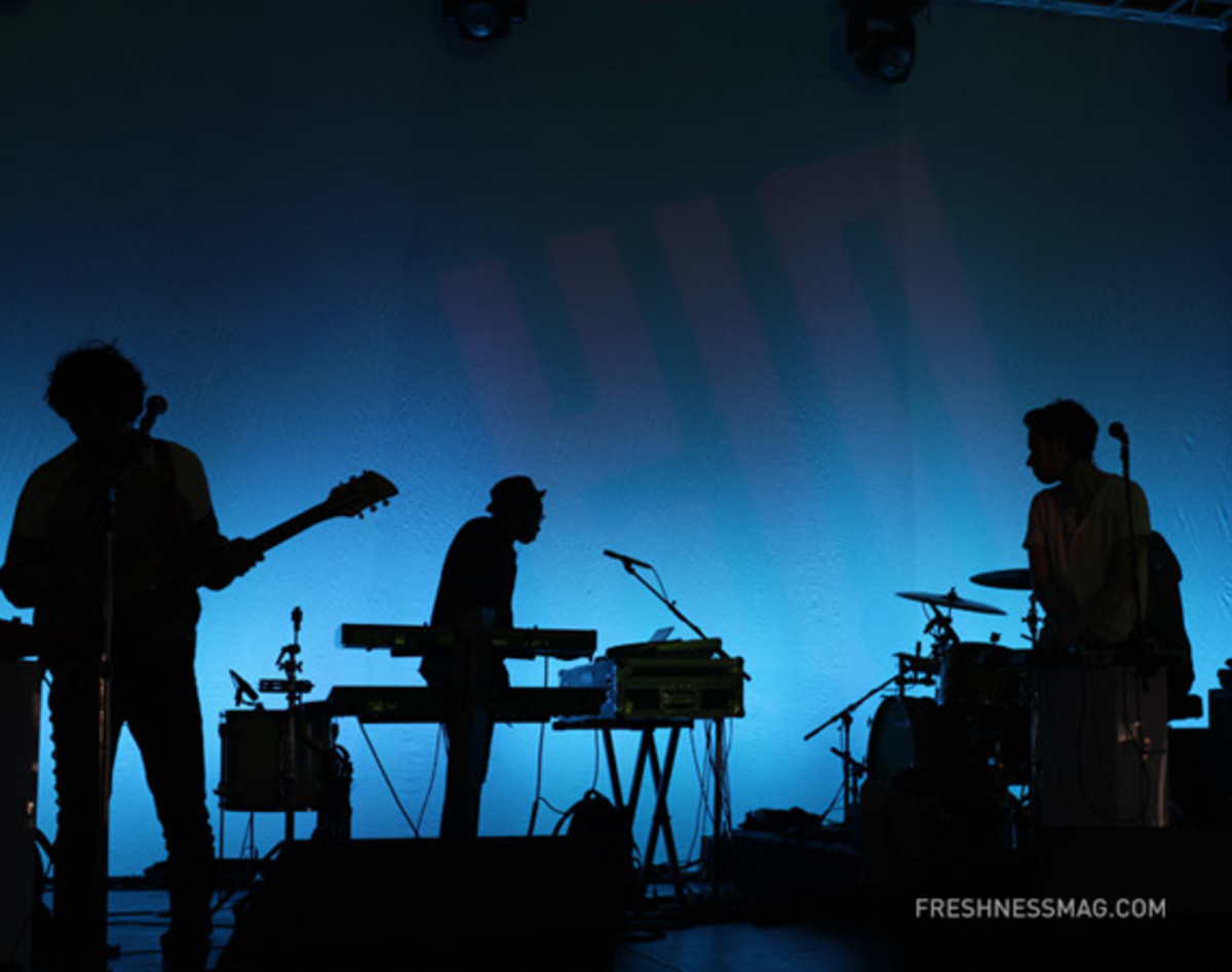 msft-kin-yeasayer-soundcheck-02