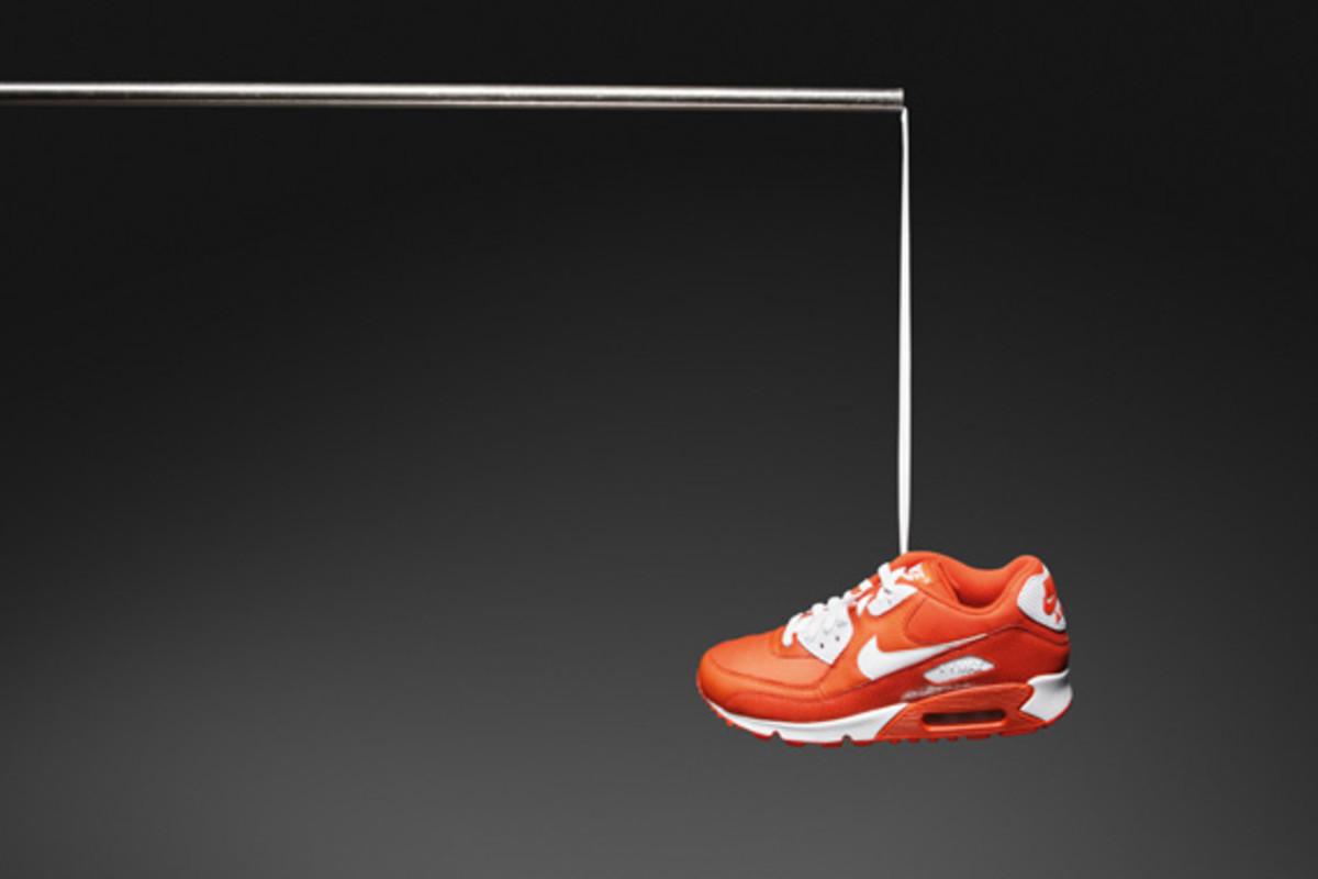 nike-sportswear-holiday-2010-air-max-90-03