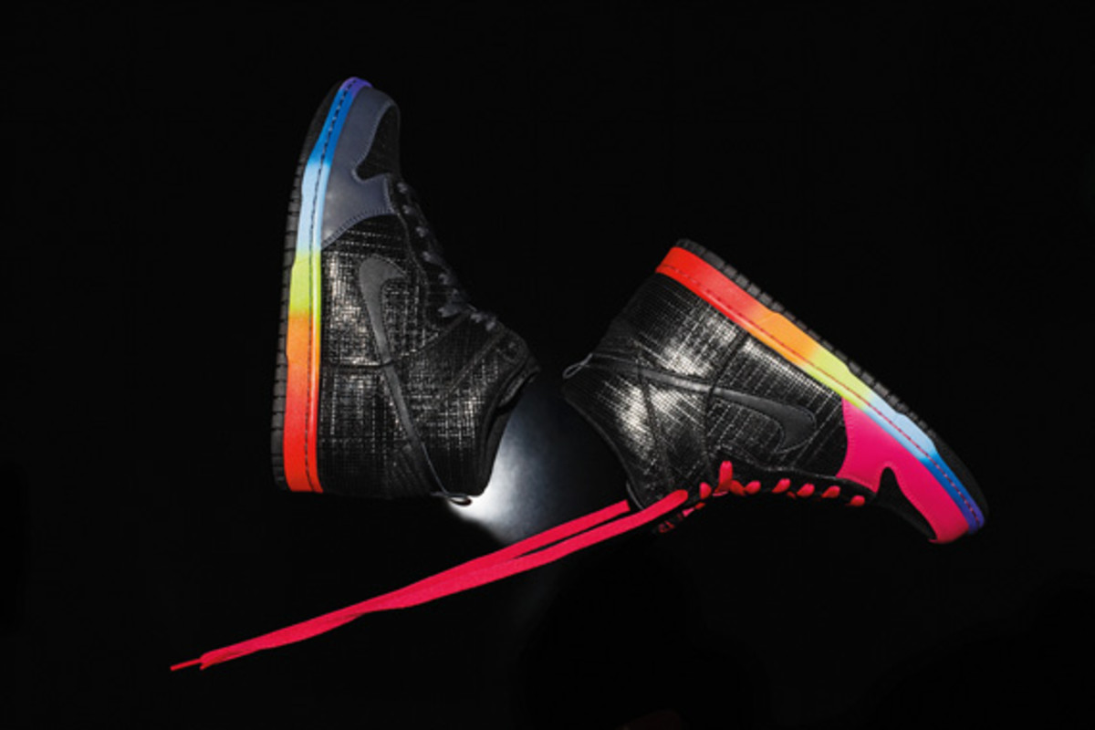 nike-sportswear-holiday-2010-dunk-high-02