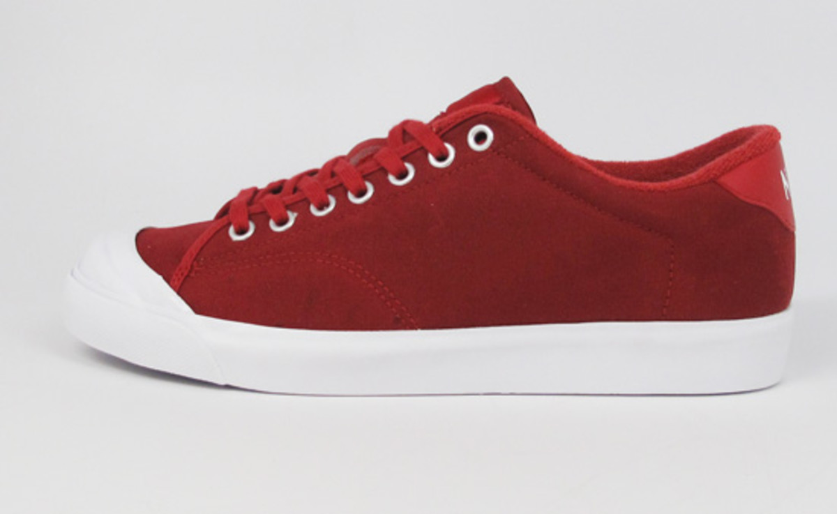 nike-x-fragment-design-air-zoom-all-court-available-3