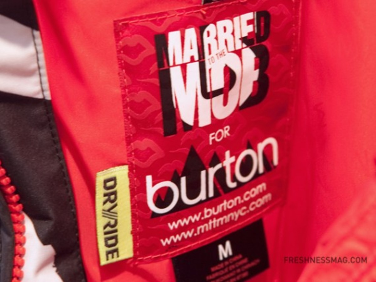 burton-married-to-the-mob-09