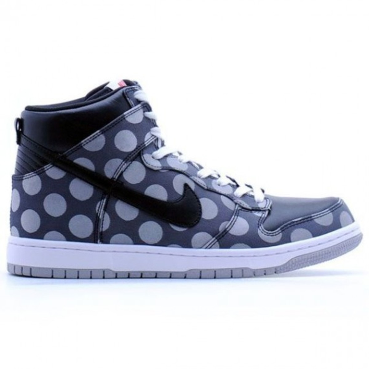 nike-dunk-high-supreme-polka-dot-2