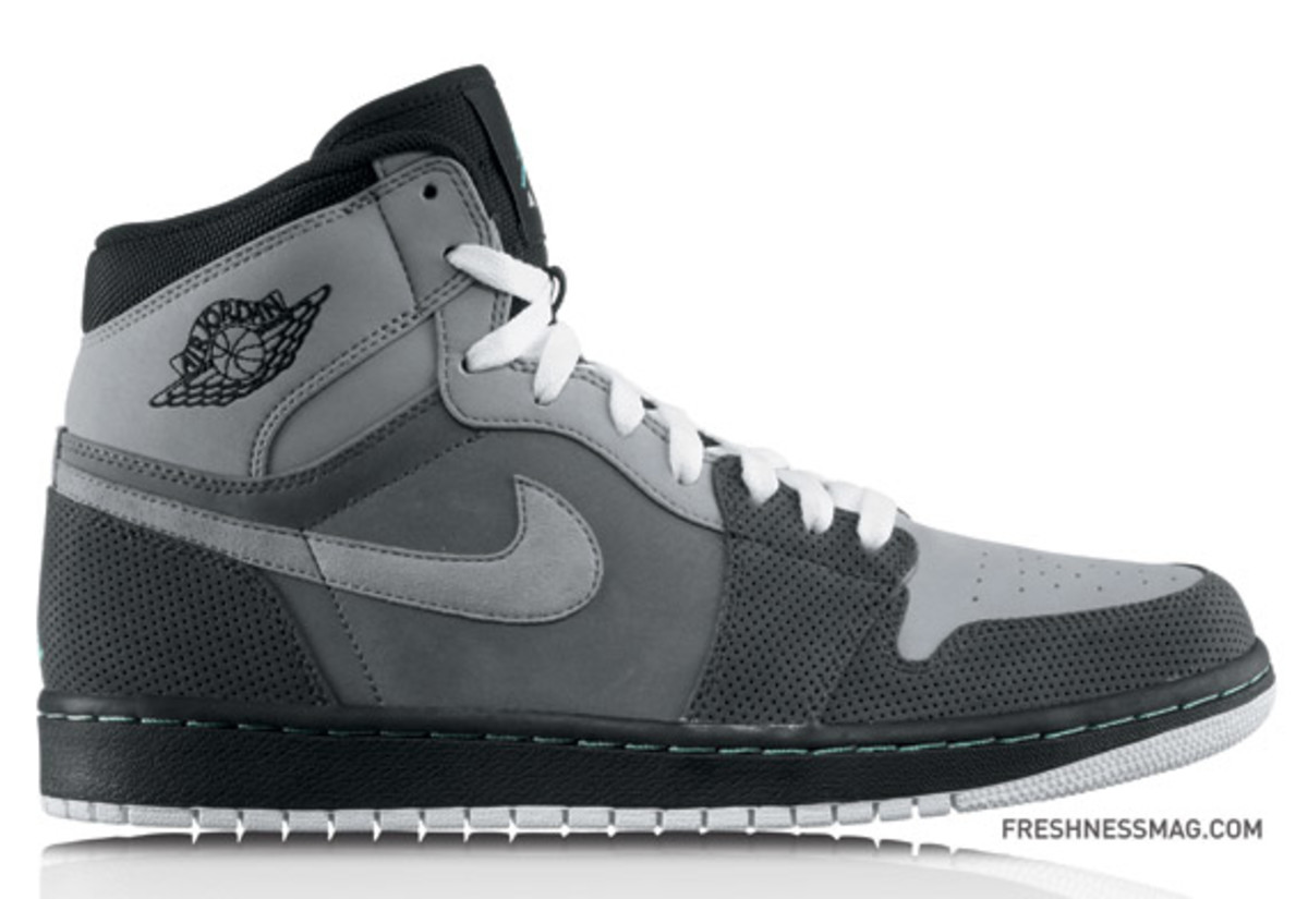 Air_Jordan_1_Retro_High_Stl-CoolMint_LtGrpht_DkChar