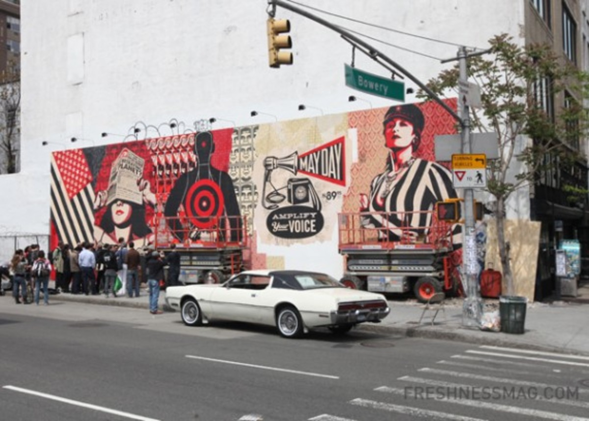 shepard-fairey-takes-over-mural-nyc-10-570x408
