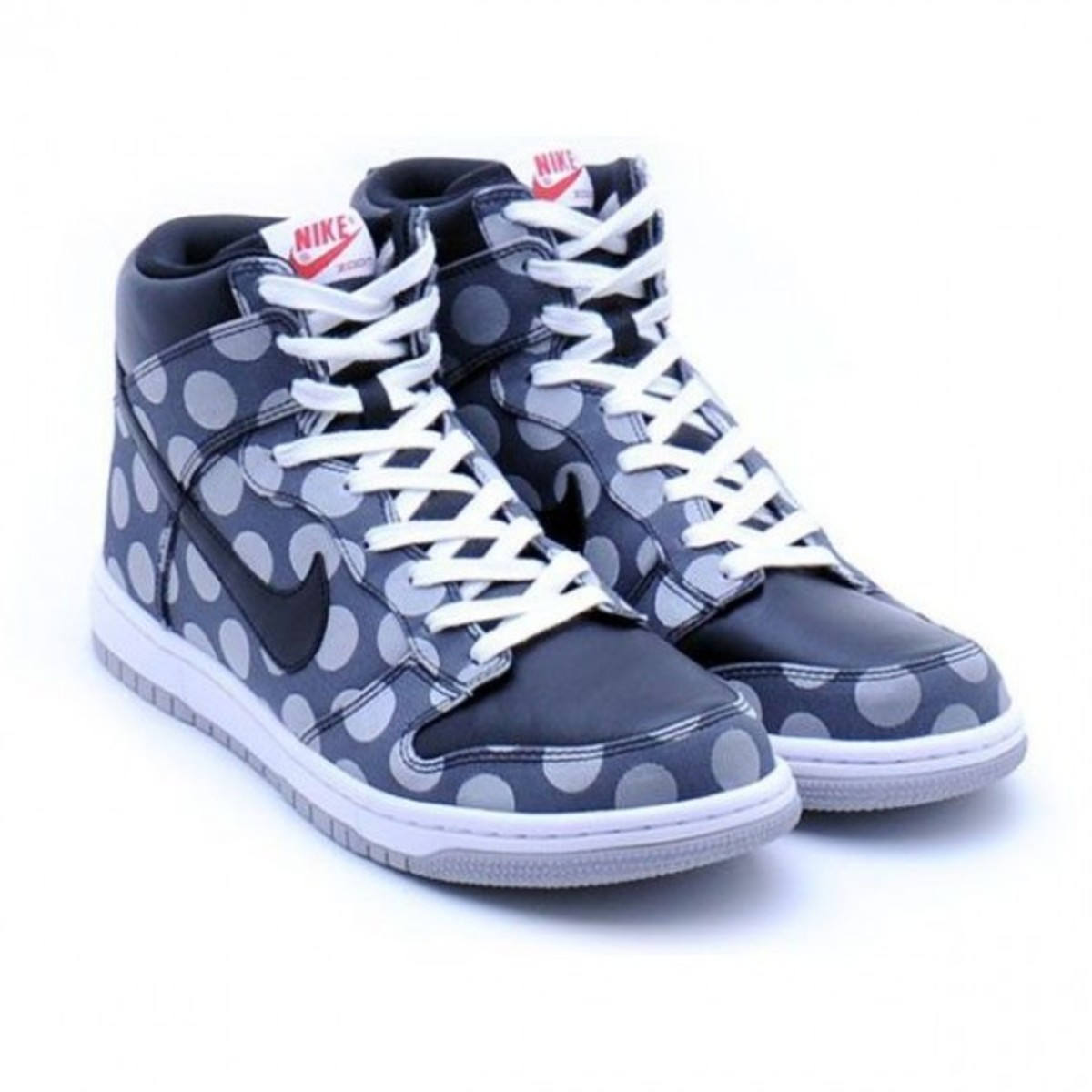 nike-dunk-high-supreme-polka-dot-1