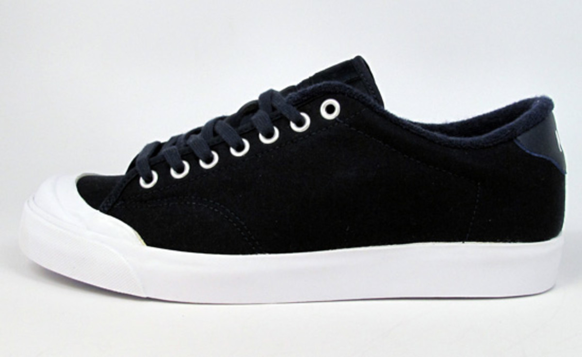 nike-x-fragment-design-air-zoom-all-court-available-4