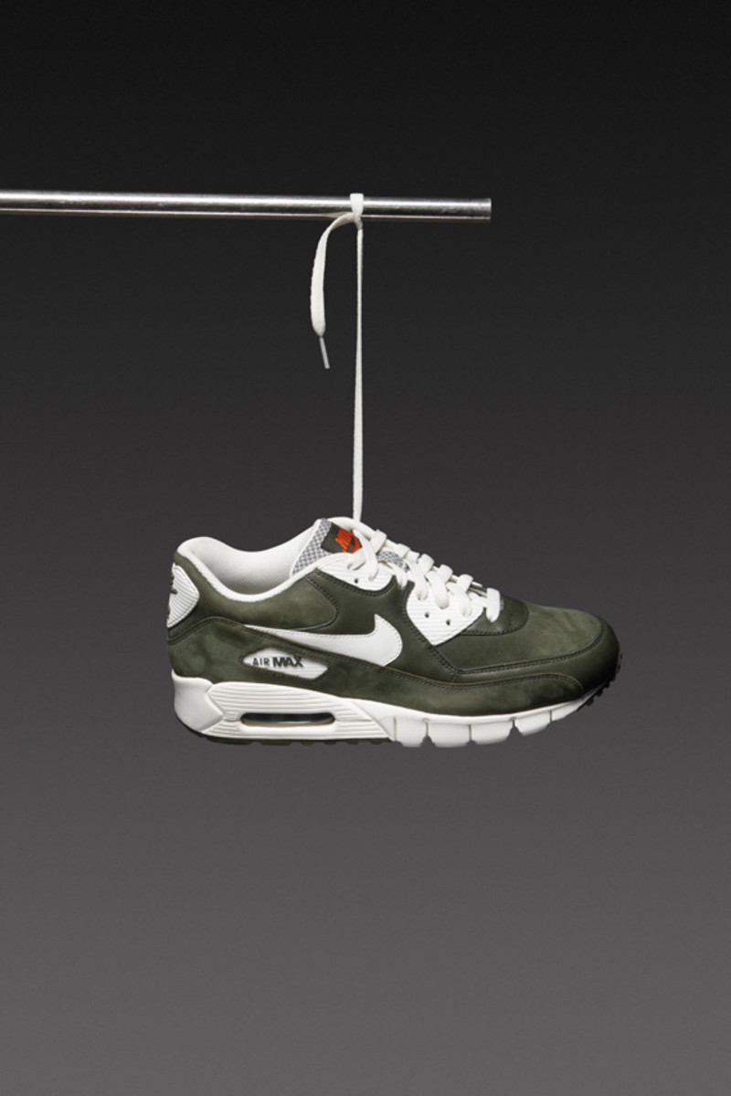 nike-sportswear-holiday-2010-air-max-90-02