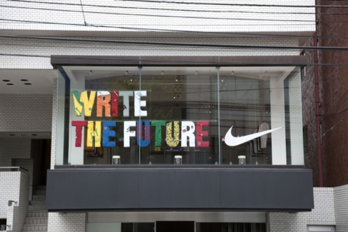 write-the-future-pop-up-store-tokyo-5-570x380