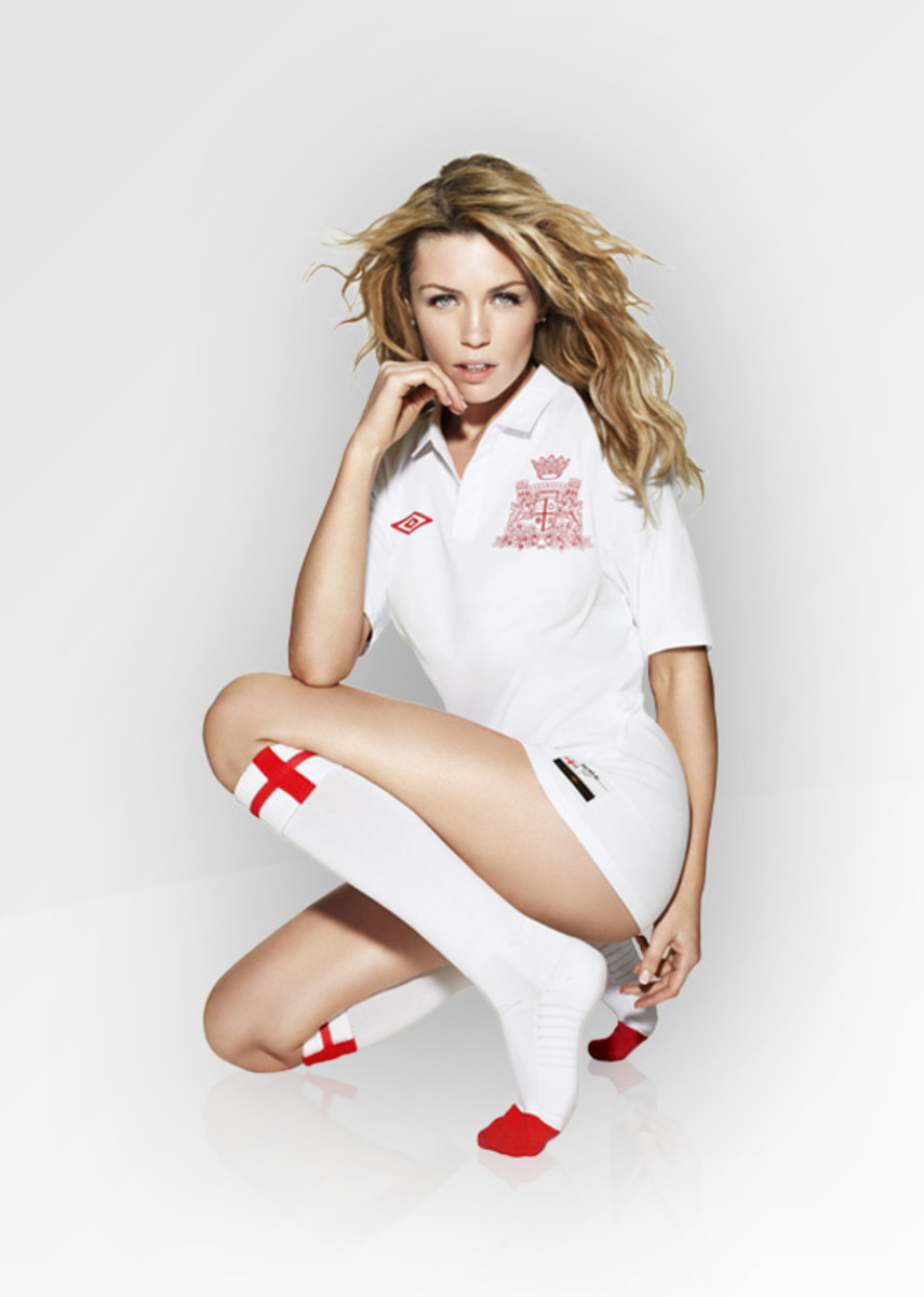 abbey-clancy-england-01