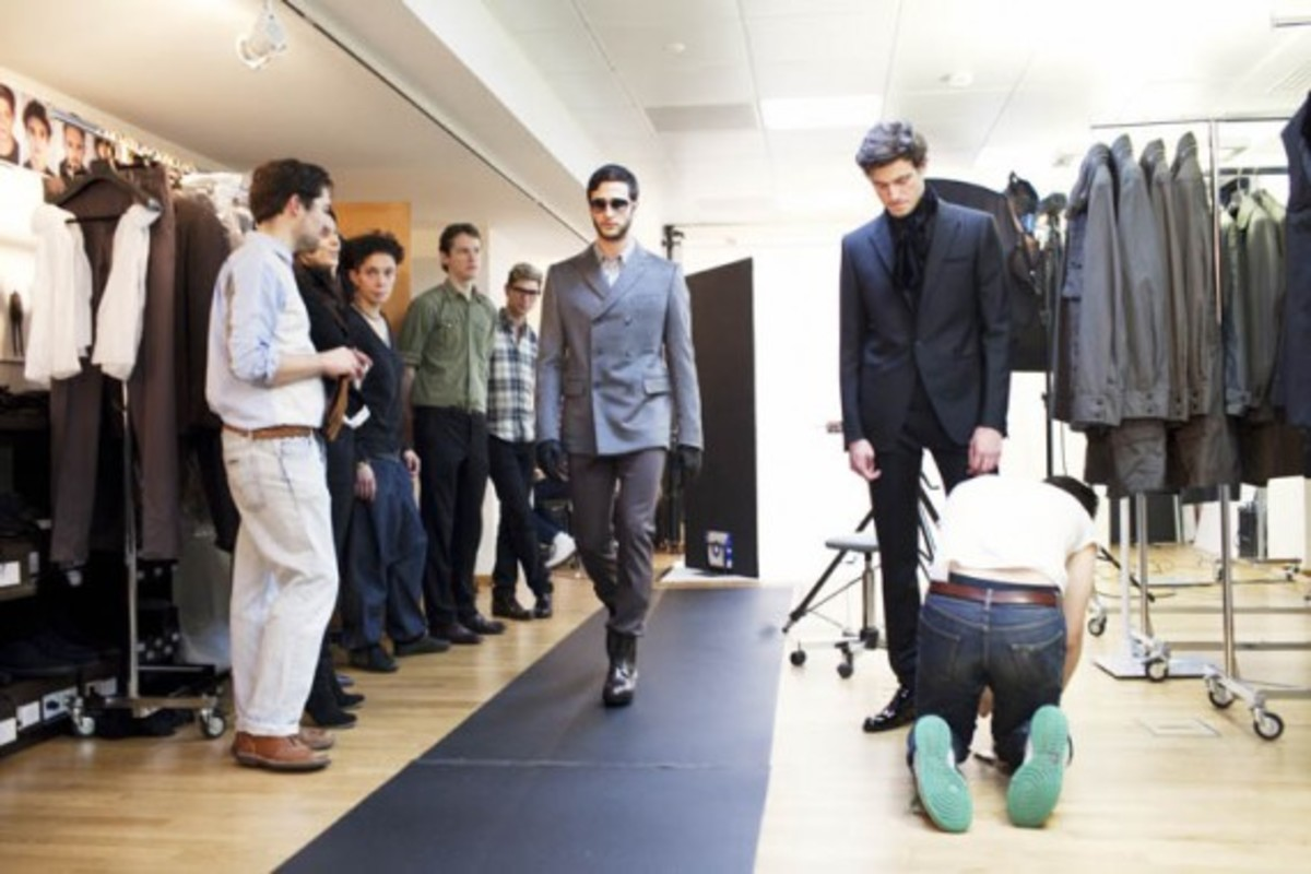 todd-selby-louis-vuitton-show-fitting-07