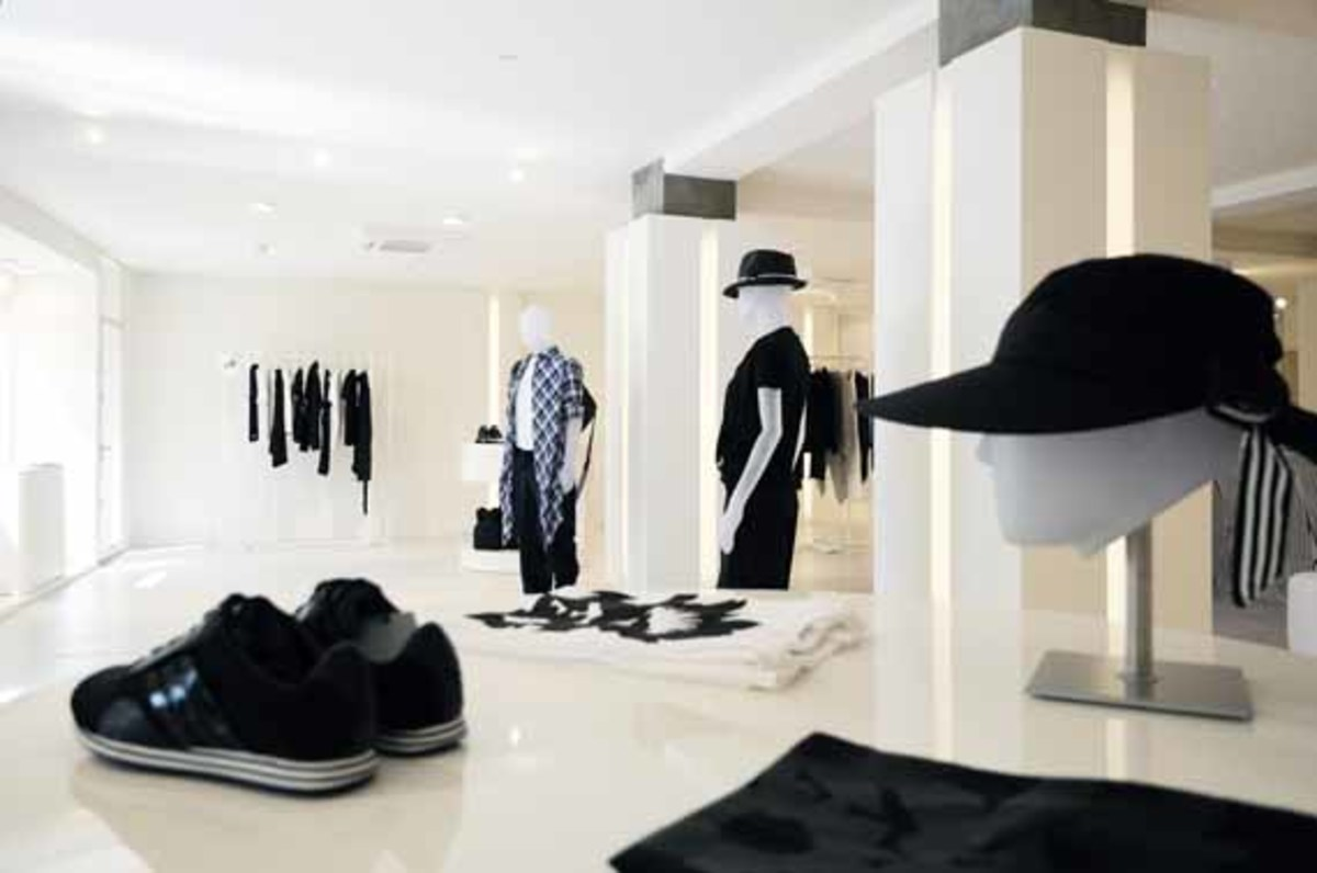 y-3-temp-store-cannes-2