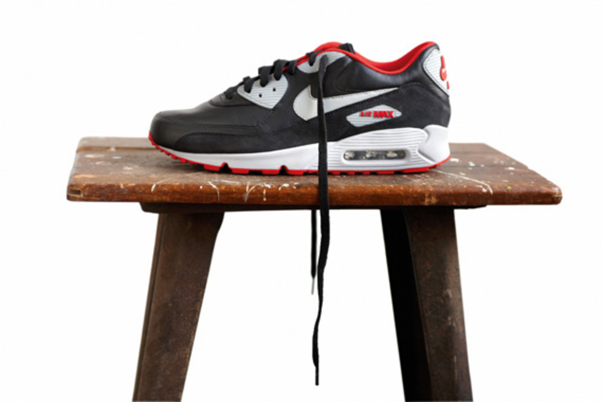 nike-sportswear-holiday-2010-air-max-90-05