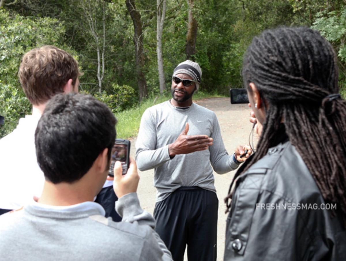 nike-training-jerry-rice-the-hill-01