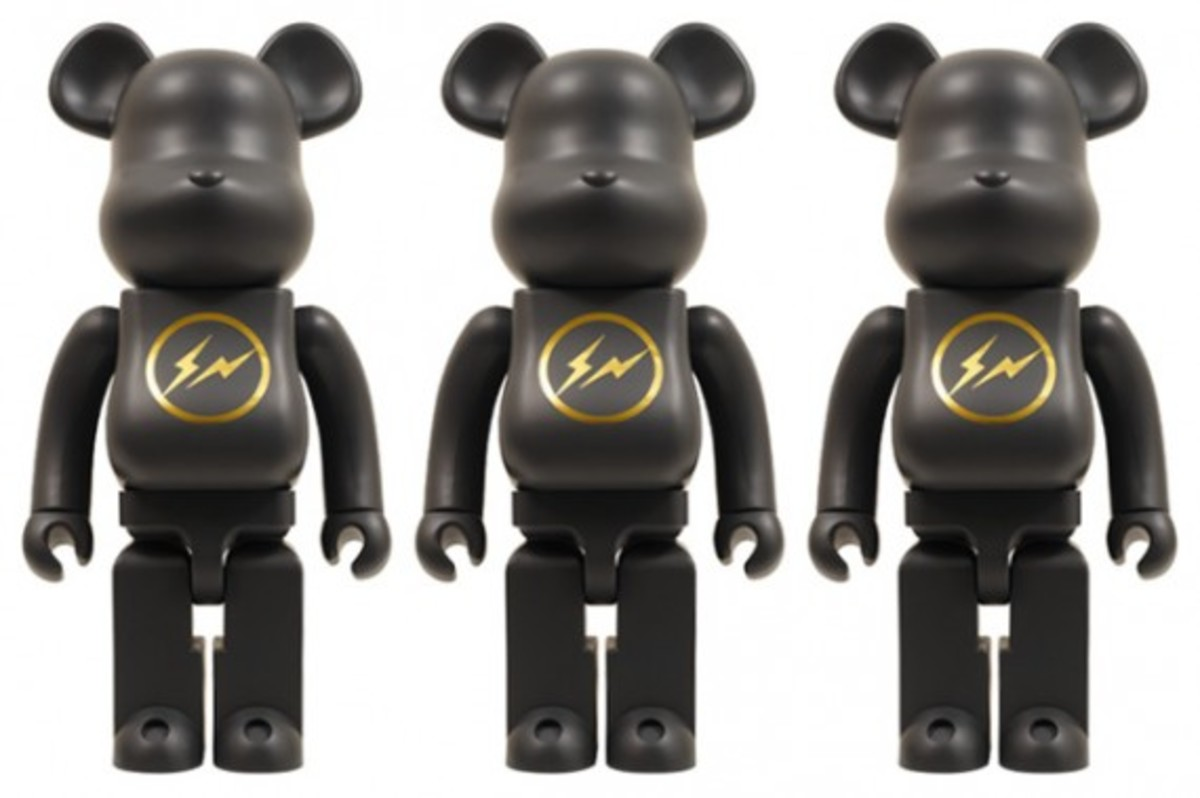 medicom-toy-x-fragment-design-1000-bearbrick