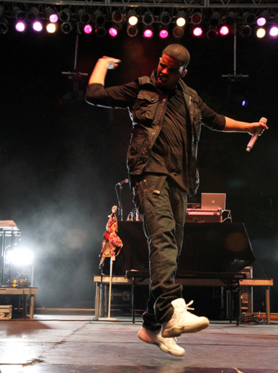 Fresh-Celeb-Drake-Air-Jordan-XI-25th-Anniversary-5