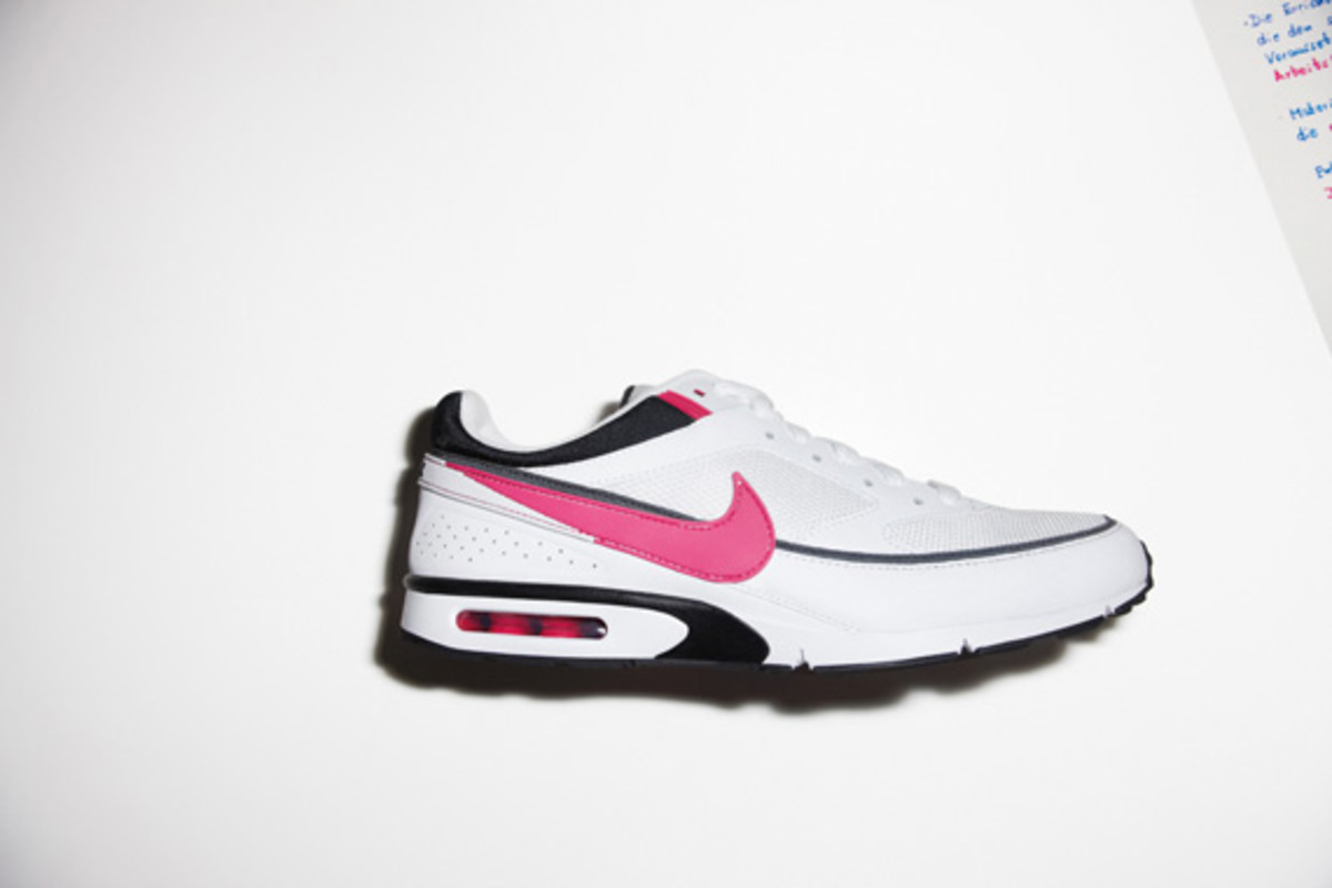 nike-sportswear-holiday-10-air-max-bw-lite-01