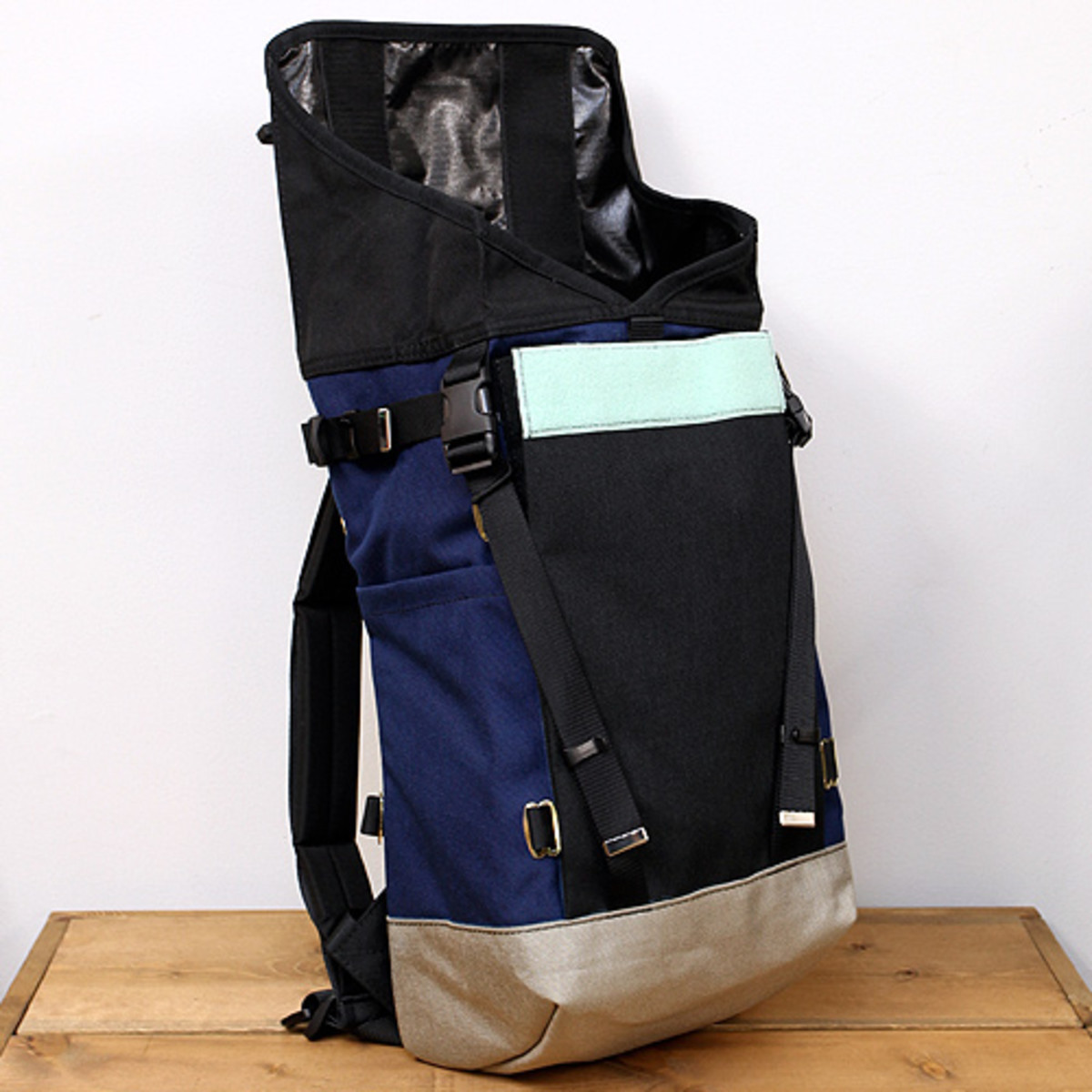 Mountain Pack Black 2