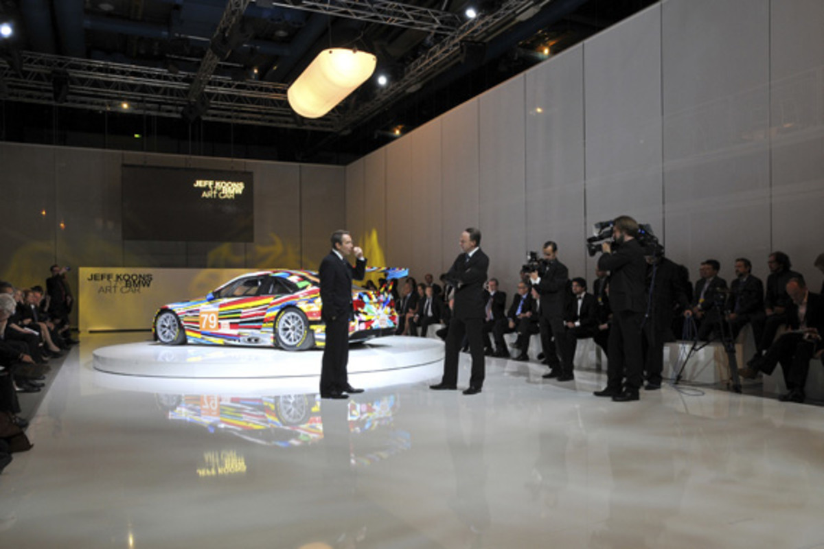 bmw-art-car-jeff-koons-11