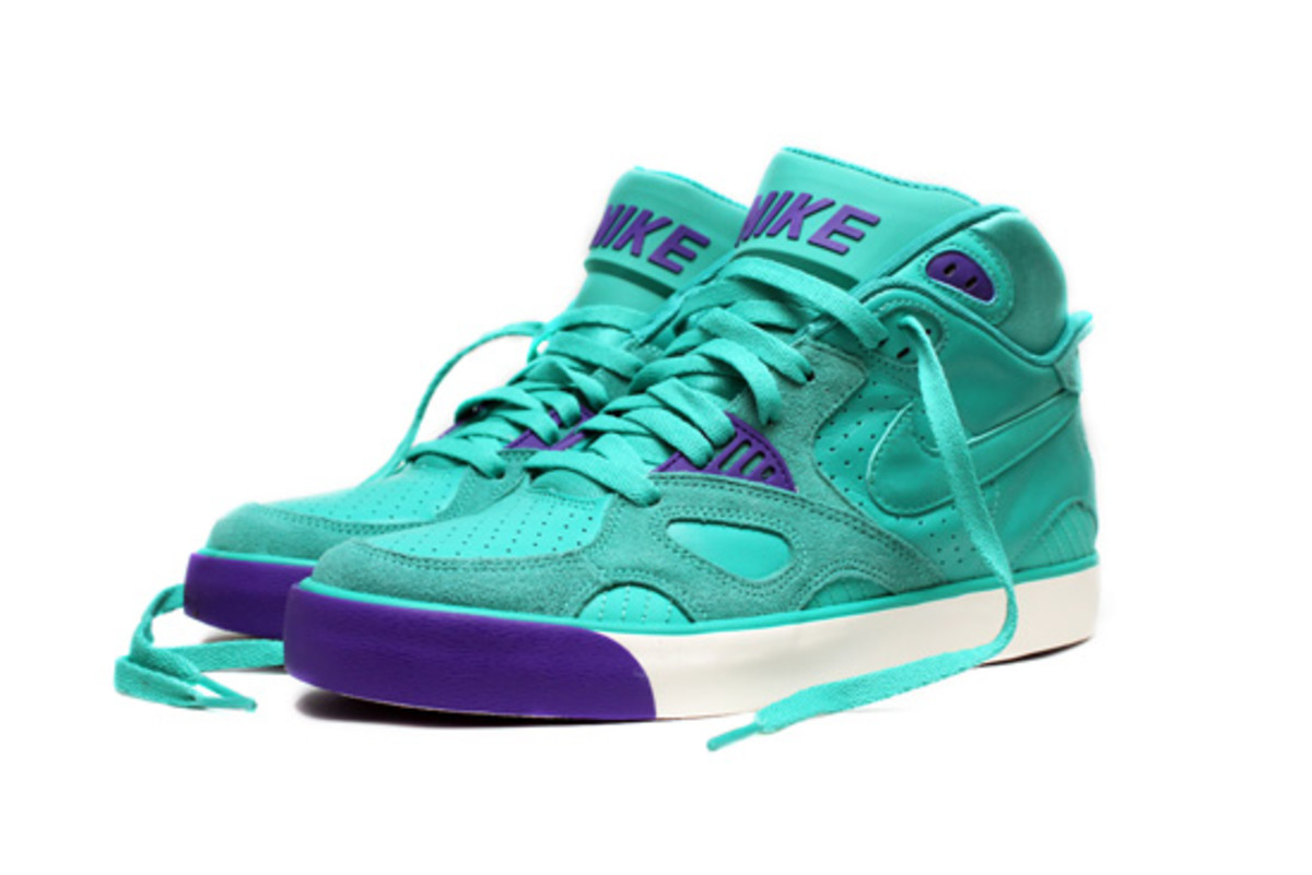 Nike-Auto-Trainer-New-Green-Purple-Punch-2
