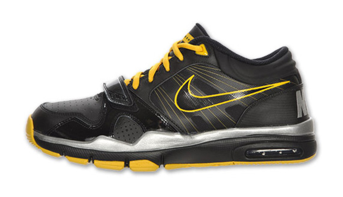 nike-trainer-mid-12-livestrong-02