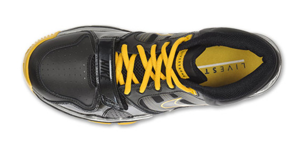 nike-trainer-mid-12-livestrong-06