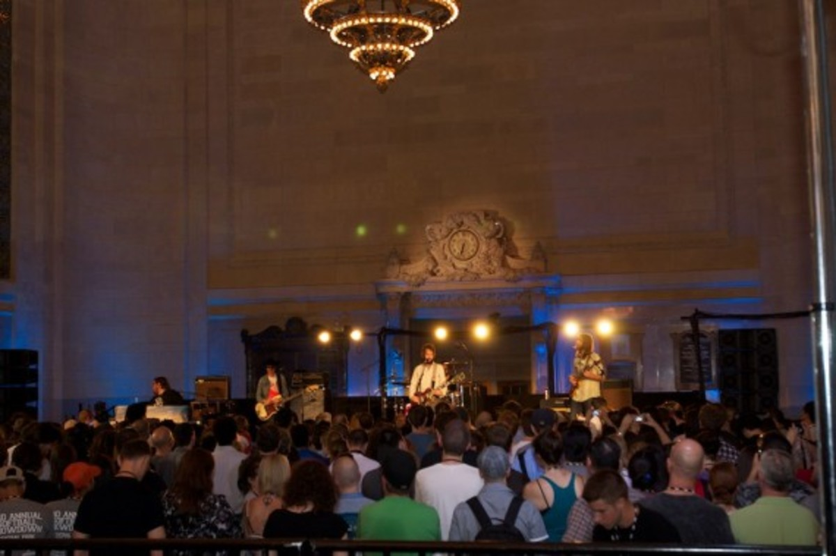 aol-presents-band-of-horses-grand-central-02
