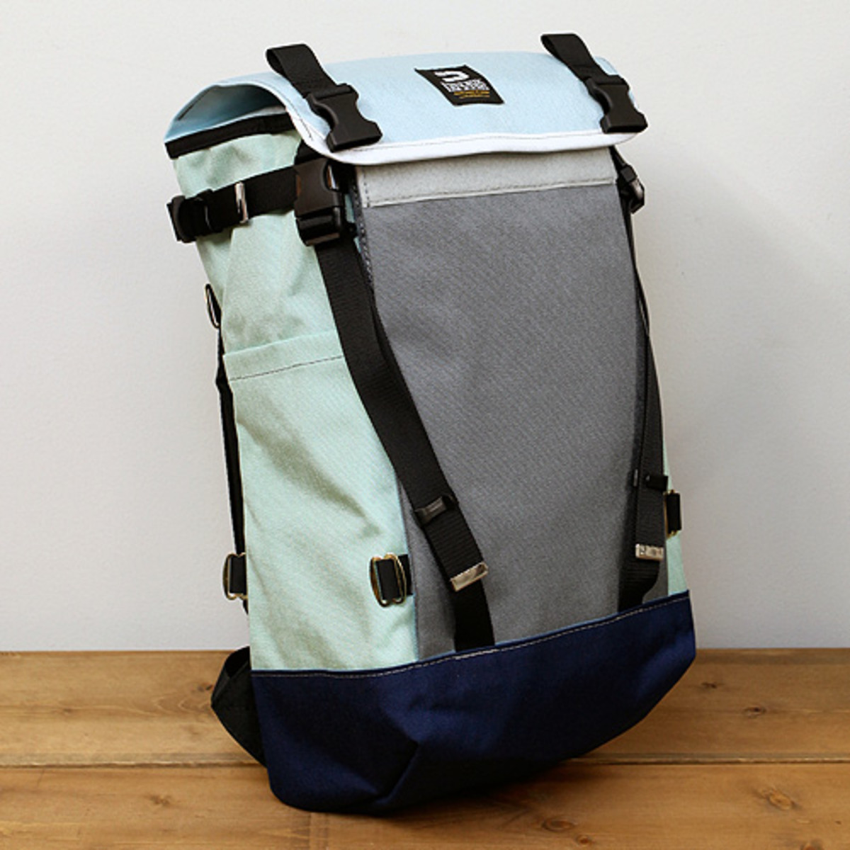 Mountain Pack Pastel Blue