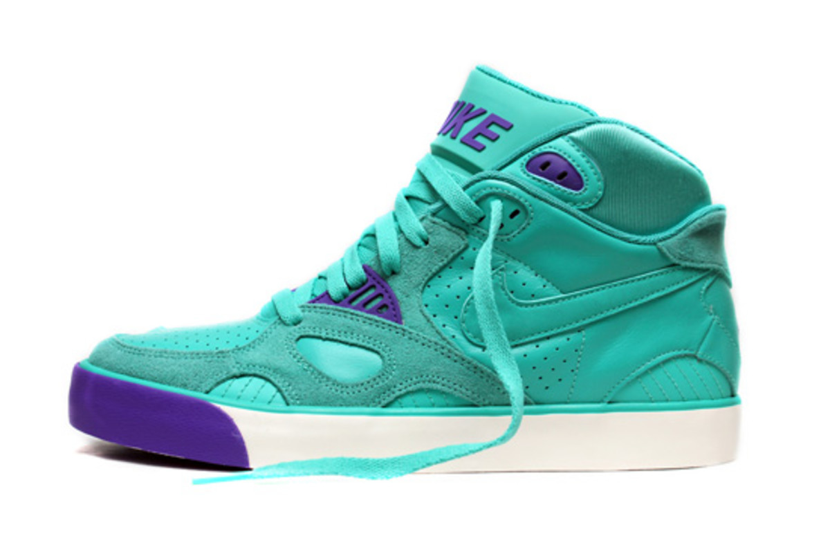 Nike-Auto-Trainer-New-Green-Purple-Punch-1