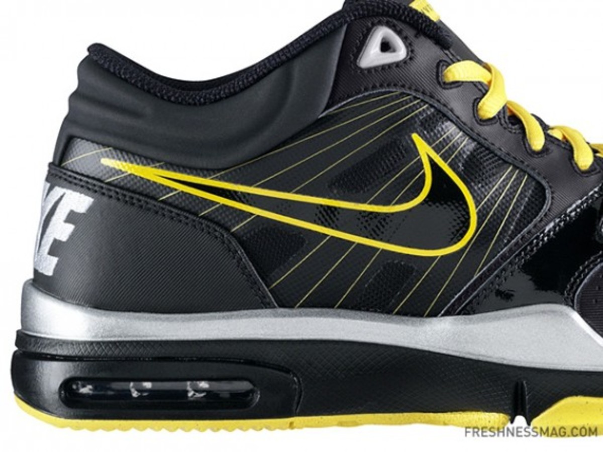 nike-livestrong-trainer1.2-414860-018-03