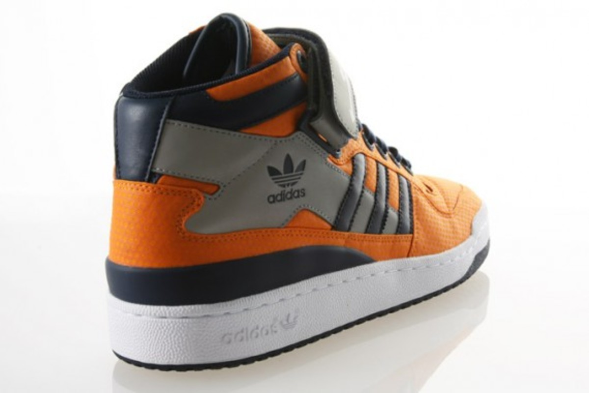 adidias-Forum-Mid-RS-Orange-Indigo-3