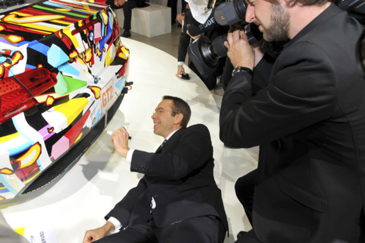 bmw-art-car-jeff-koons-10