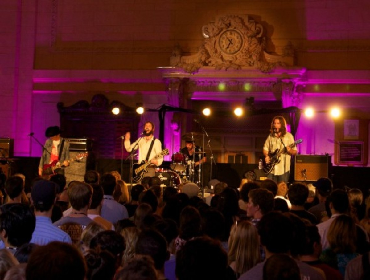 aol-presents-band-of-horses-grand-central-01