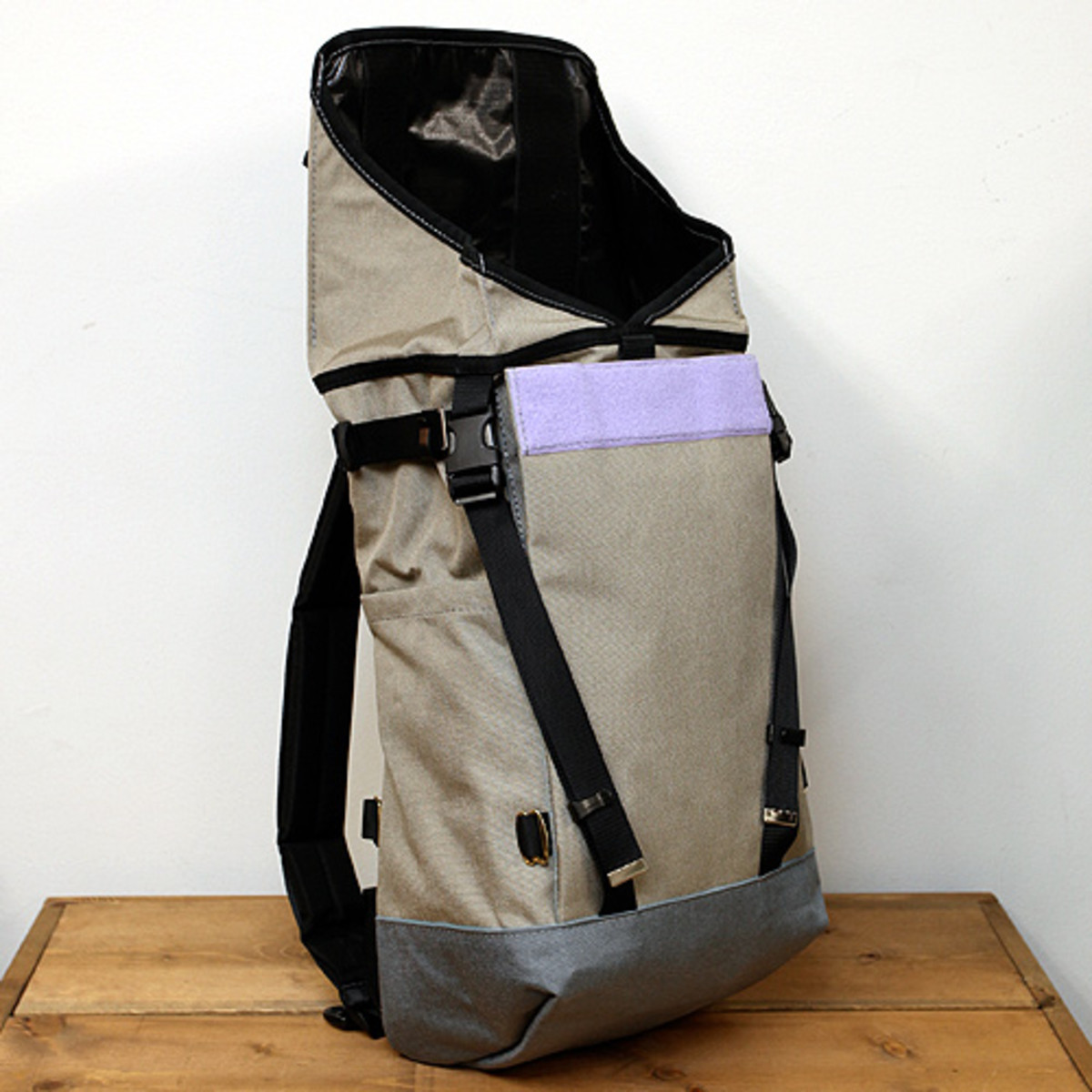 Mountain Pack Light Brown 2