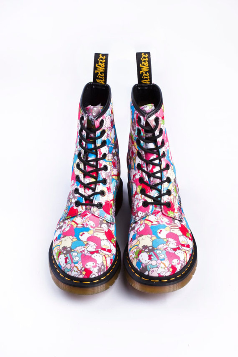 sanrio-dr-martens-hello-kitty-06