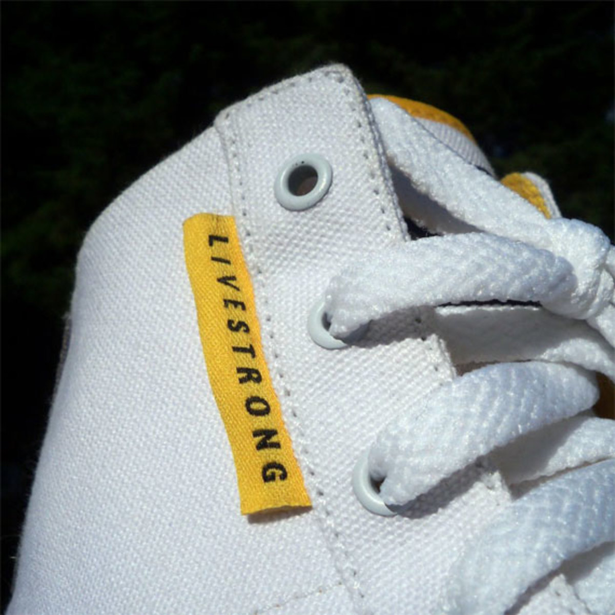 nike-sweet-classic-high-livestrong-promo-03