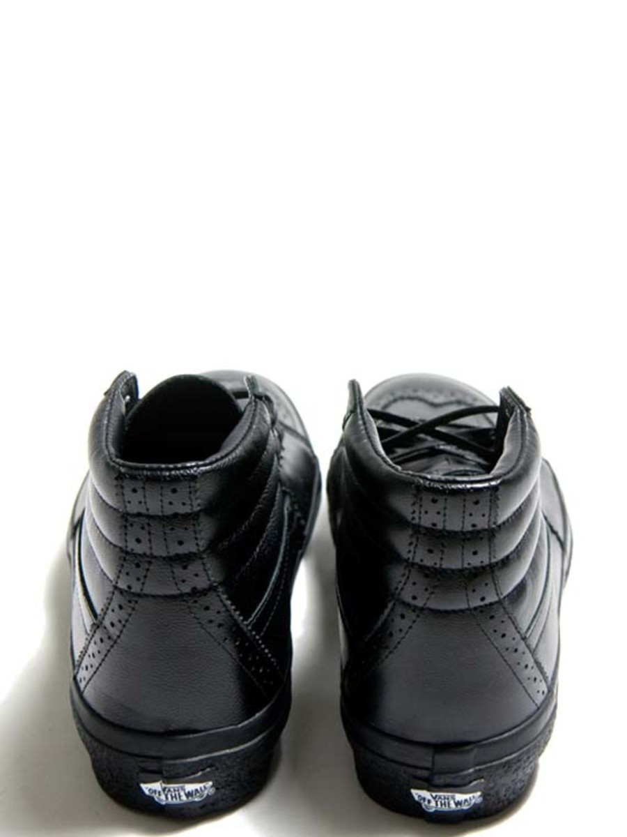 3fce9bc5a19 VANS - Fall Winter 2010 - Leather Wing Tip Pack - Freshness Mag
