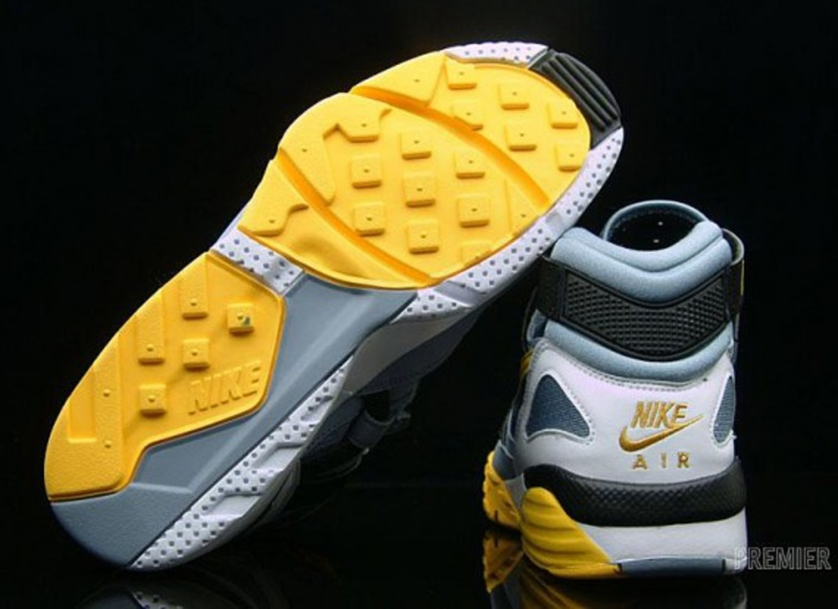 nike-air-trainer-1-grey-stone-medium-yellow-03