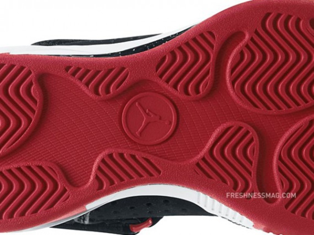 air-jordan-2010-outdoor-407744-101-g