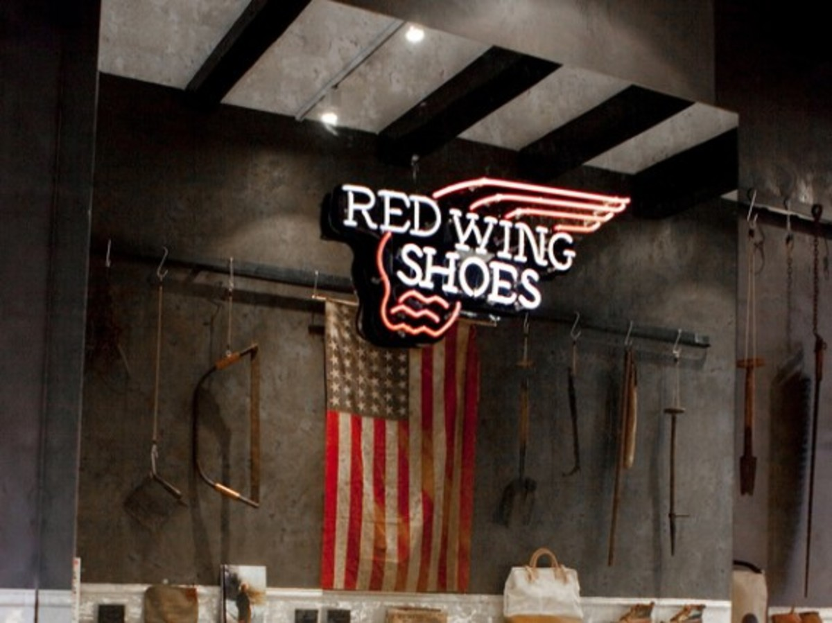 red-wings-shoes-amsterdam-flagship-00