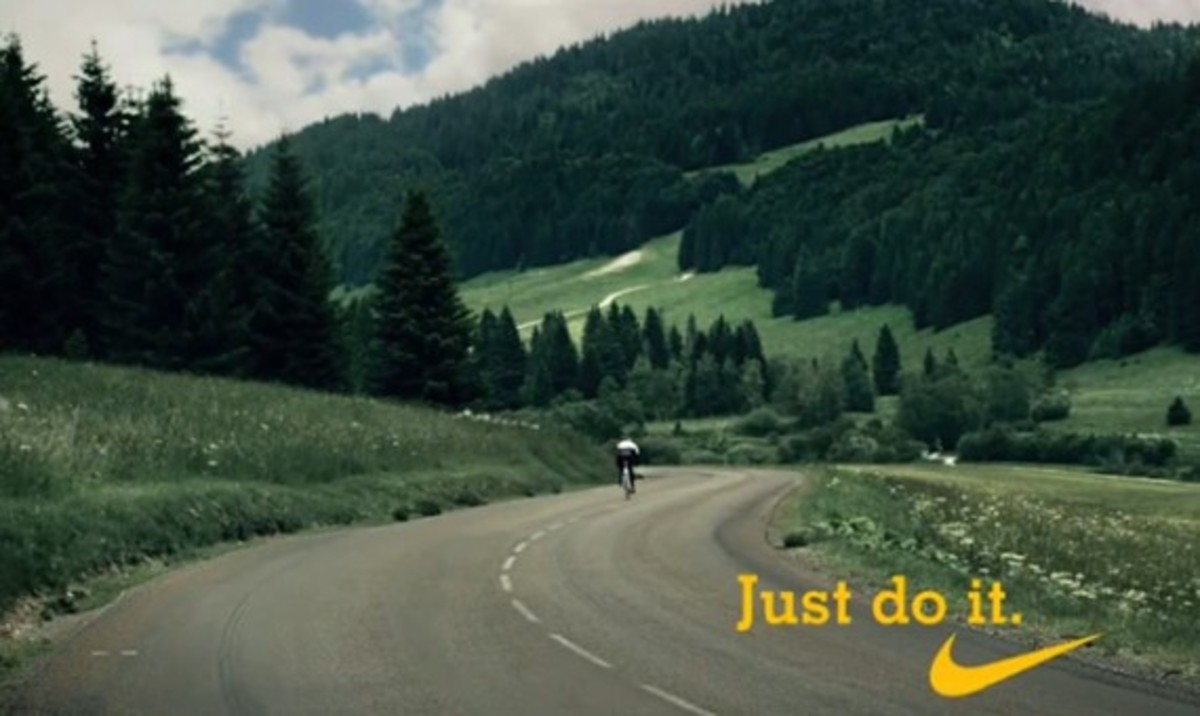 2010-nike-livestrong-commerical-tour-de-france